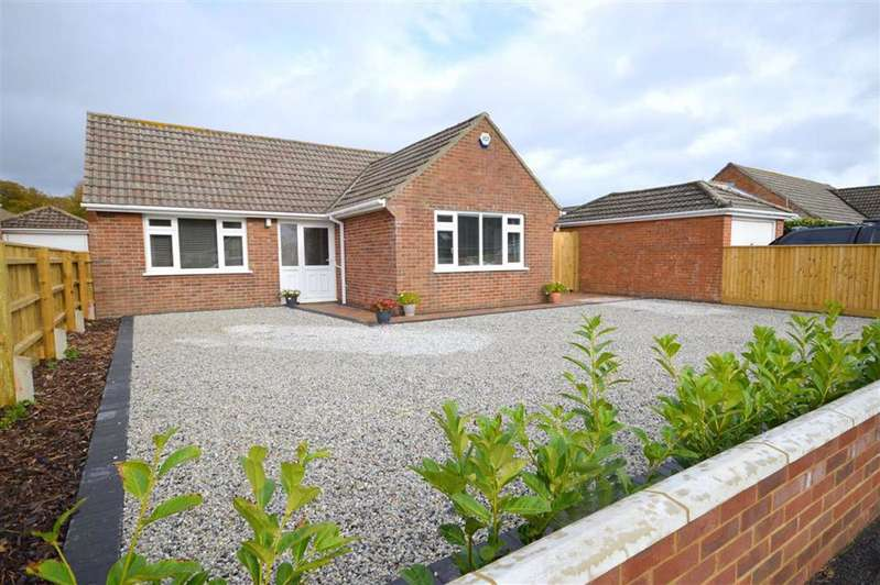 3 Bedrooms Detached Bungalow for sale in Barton On Sea
