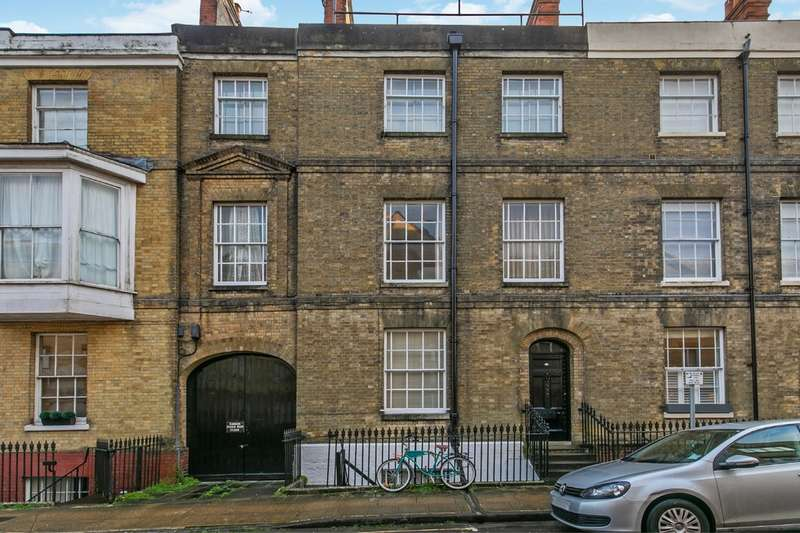 6 Bedrooms Flat for sale in St. Peter Street, Winchester, SO23