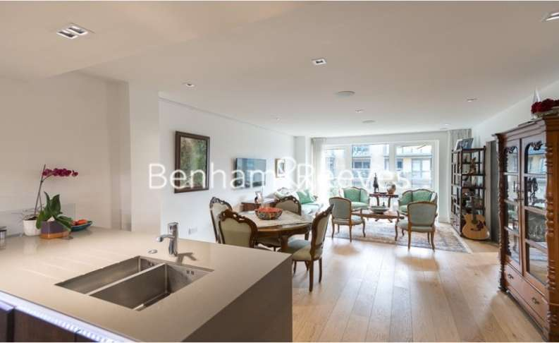 3 Bedrooms Apartment Flat for rent in Kew Bridge Road, Brentford, TW8