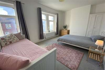 4 Bedrooms Terraced House for rent in Railway Street, Cardiff