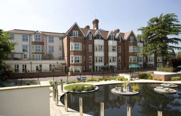 2 Bedrooms Apartment Flat for rent in Royal Court Apartments, 66 Lichfield Road, Sutton Coldfield, B74