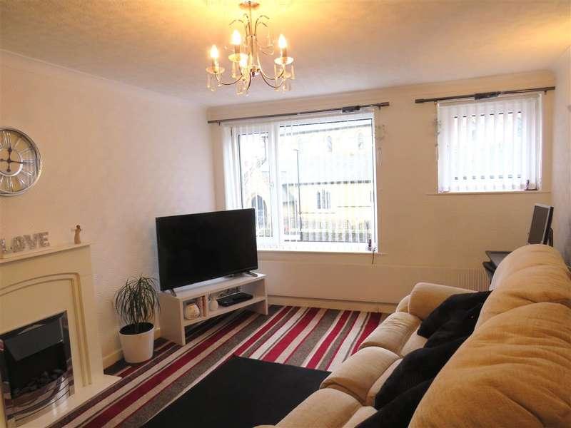 3 Bedrooms Town House for sale in Duke Street, Swinley, Wigan