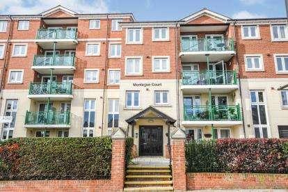 2 Bedrooms Flat for sale in Hamlet Court Road, Westcliff-On-Sea, Essex