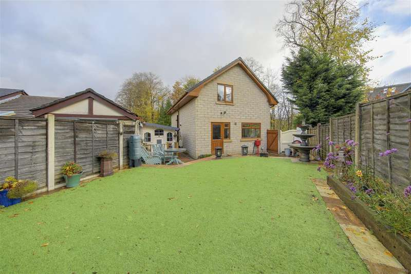 3 Bedrooms Detached House for sale in Sunny Bank Road, Helmshore, Rossendale