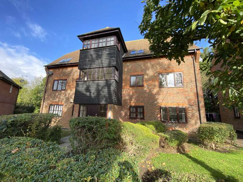 1 Bedroom Apartment Flat for sale in Spruce Close, Steeple View