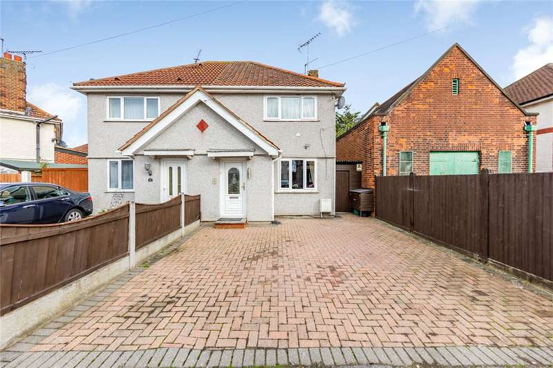2 Bedrooms Semi Detached House for sale in Clayton Road, Romford, RM7