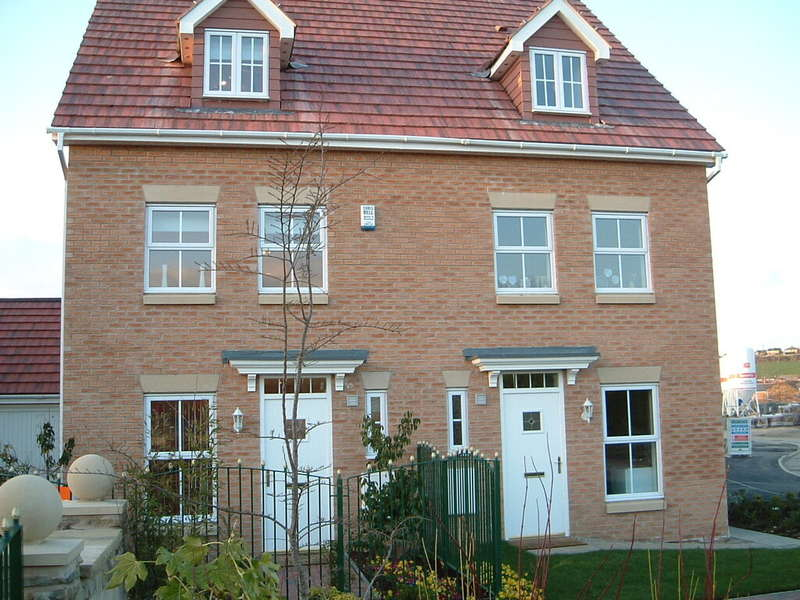 3 Bedrooms Semi Detached House for rent in Townlands Close, Wombwell, Barnsley