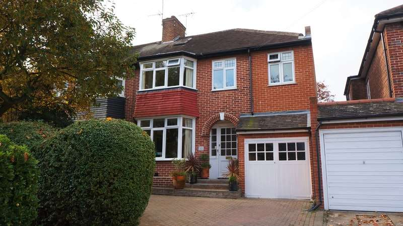 4 Bedrooms Semi Detached House for sale in Rokeby Gardens, Woodford Green, London, IG8