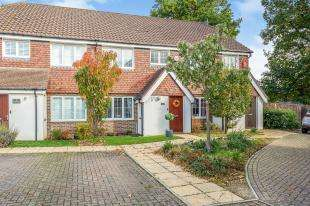 3 Bedrooms Terraced House for sale in The Tithe, West Sussex, Ifeld, Crawley