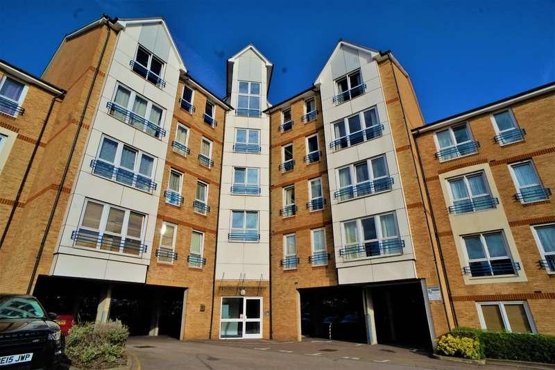 2 Bedrooms Flat for sale in Fairfield Square, Stuart, Gravesend, Kent, DA11