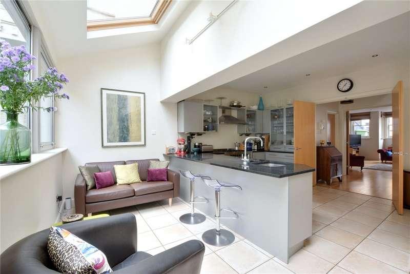 3 Bedrooms Detached House for sale in Bennett Park, Blackheath, London, SE3