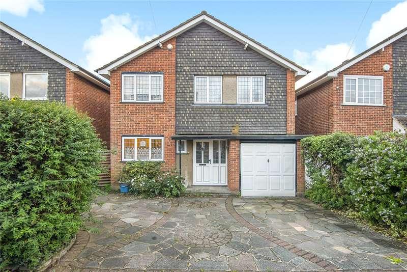 4 Bedrooms Detached House for sale in Ashlyn Close, Bushey, Hertfordshire, Hertfordshire, WD23