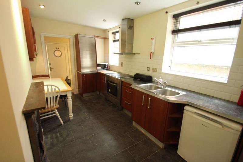 5 Bedrooms House for rent in Kirby Road, Leicester