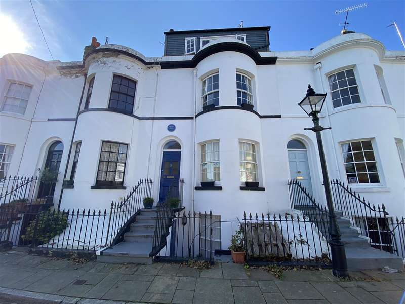 6 Bedrooms Terraced House for rent in Guildford Lawn, Ramsgate