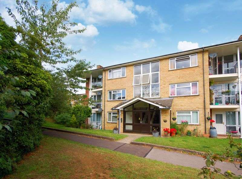 3 Bedrooms Property for rent in Pinchfield, Rickmansworth