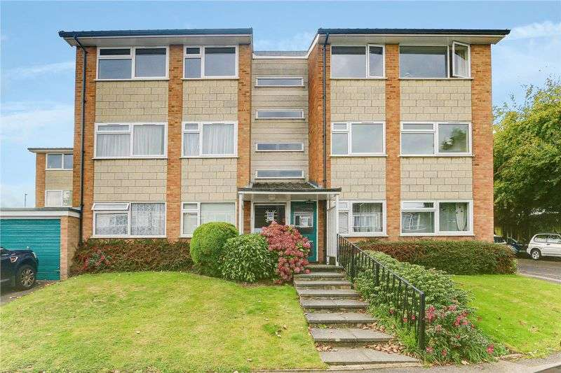 2 Bedrooms Property for rent in Maybury Close, Burgh Heath, KT20 6BZ