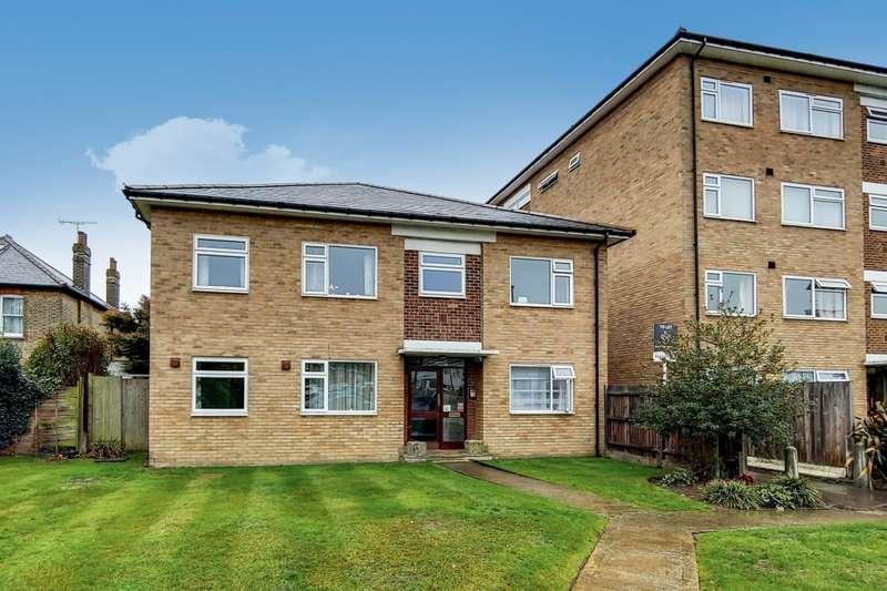 2 Bedrooms Flat for rent in Lankton Close, Beckenham, BR3