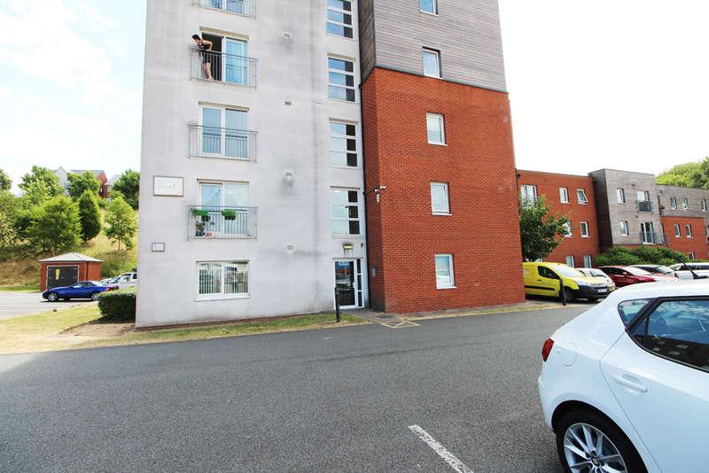 2 Bedrooms Flat for rent in Federation Street, Burslem, Stoke-on-Trent, ST6