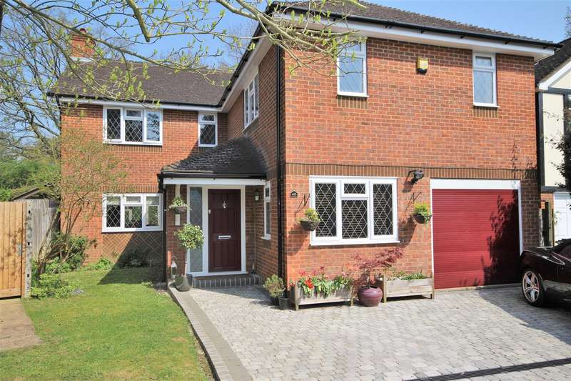 5 Bedrooms Detached House for sale in Hazel Road, Park Street, St. Albans