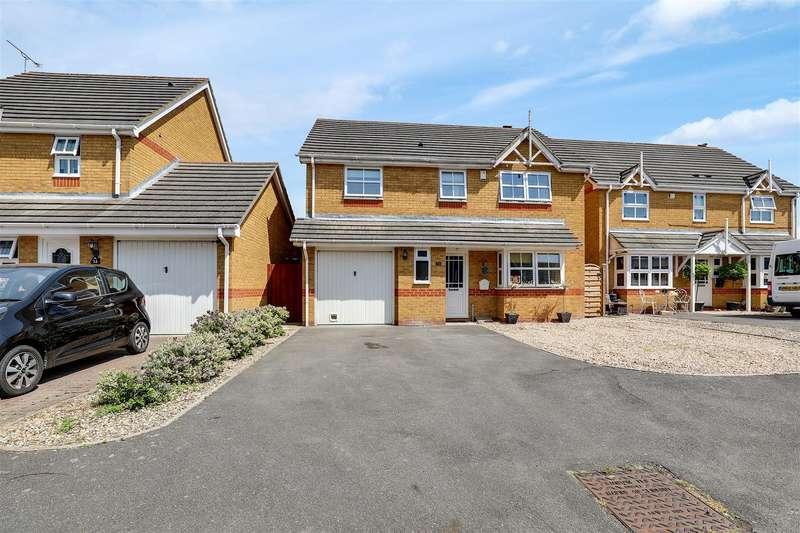 4 Bedrooms Detached House for sale in Rettendon Drive, Milton Regis, Sittingbourne