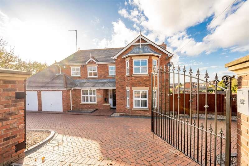 4 Bedrooms Detached House for sale in Deepdale Lane, Lower Gornal, DY3 2AE