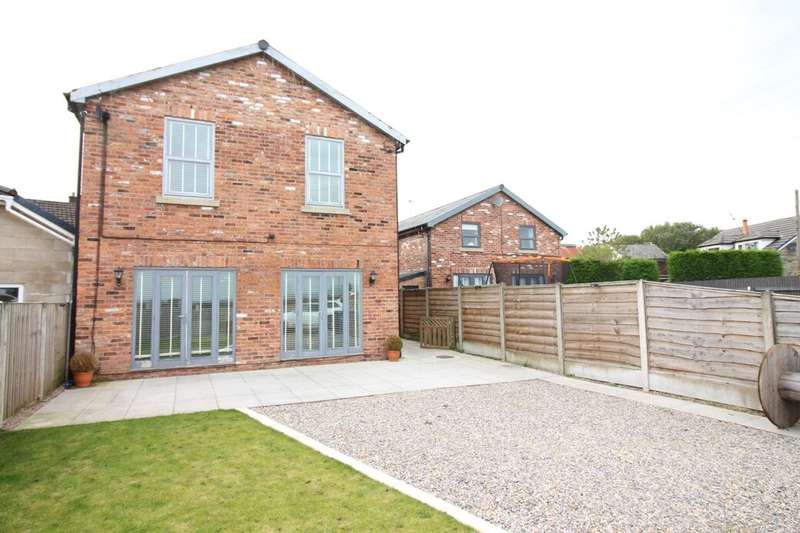 4 Bedrooms Detached House for sale in Brookbottom Road, Radcliffe, Manchester, M26