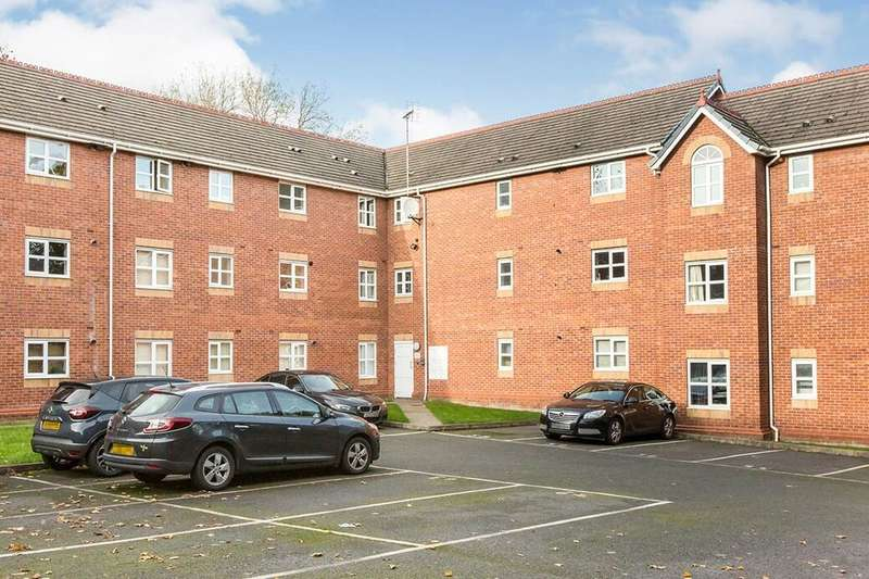 2 Bedrooms Flat for rent in Greenwood Road, Wythenshawe, Manchester, M22