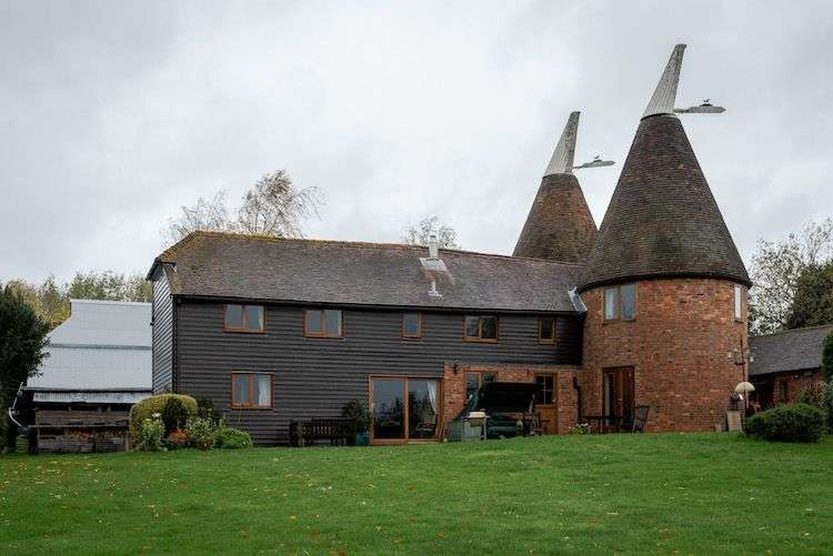5 Bedrooms Detached House for sale in Colts Hill Oast, Colts Hill, Five Oak Green, Tonbridge
