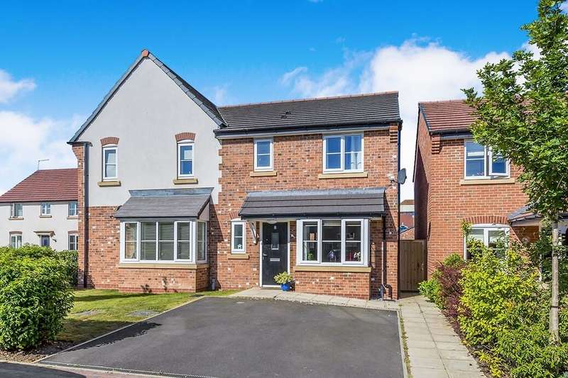 3 Bedrooms Semi Detached House for rent in Dee Avenue, Holmes Chapel, Crewe, CW4