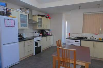5 Bedrooms House for rent in 120pppw 5 beds Charnwood Grove, NG2