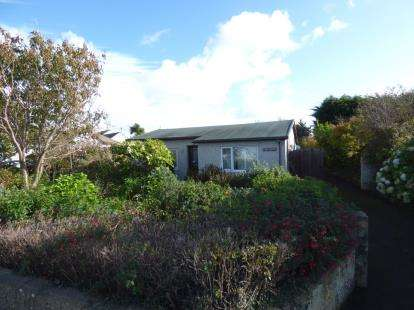3 Bedrooms Bungalow for sale in Four Mile Bridge, Holyhead, Sir Ynys Mon, LL65