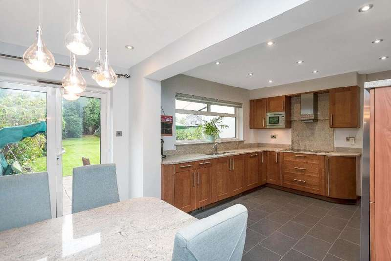 3 Bedrooms Detached House for sale in Park Avenue, Orpington, Kent, BR6 9EH