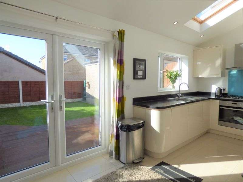 4 Bedrooms Property for sale in Lonsdale Place, Bowerham