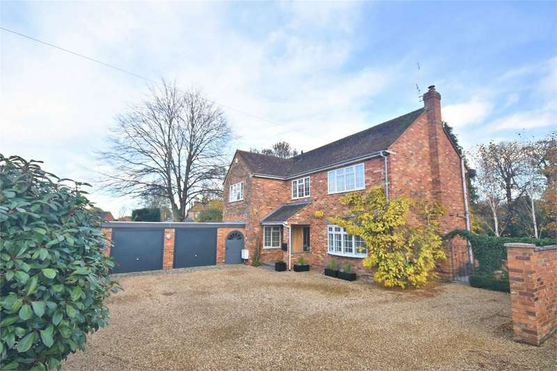 4 Bedrooms Detached House for sale in Church Lane, Weston Turville, Buckinghamshire