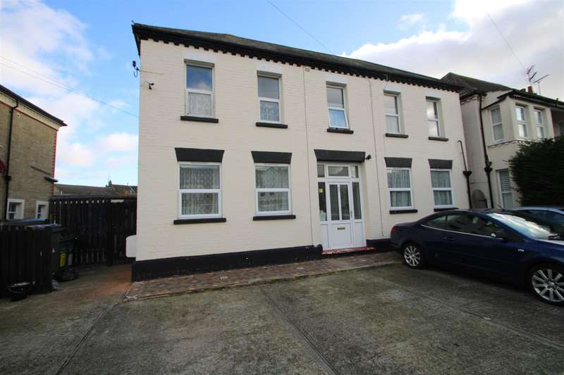 1 Bedroom Property for rent in Studio - Hayes Road, Clacton-On-Sea