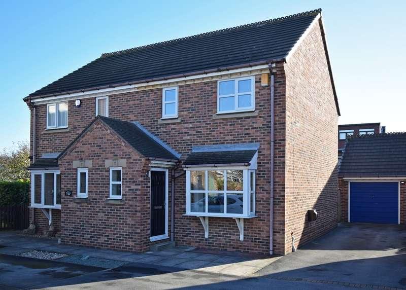 3 Bedrooms Semi Detached House for rent in Horbury Mews, Horbury, WF4 6PA