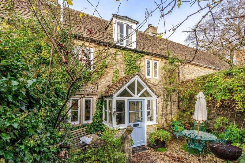 3 Bedrooms Cottage House for sale in Court Street, Sherston
