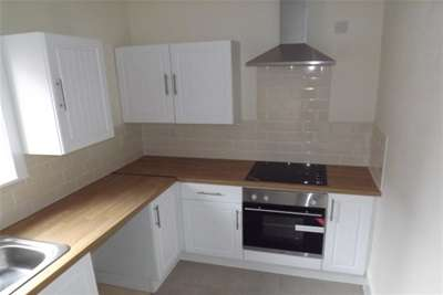 """2 Bedrooms Flat for rent in Sherbourne Road, Blackpool - """" AVAILABLE WITH ZERO DEPOSIT """""""