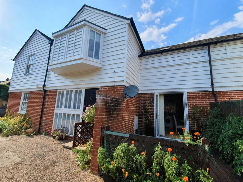 2 Bedrooms Semi Detached House for sale in Gammons Yard, North Lane, Canterbury