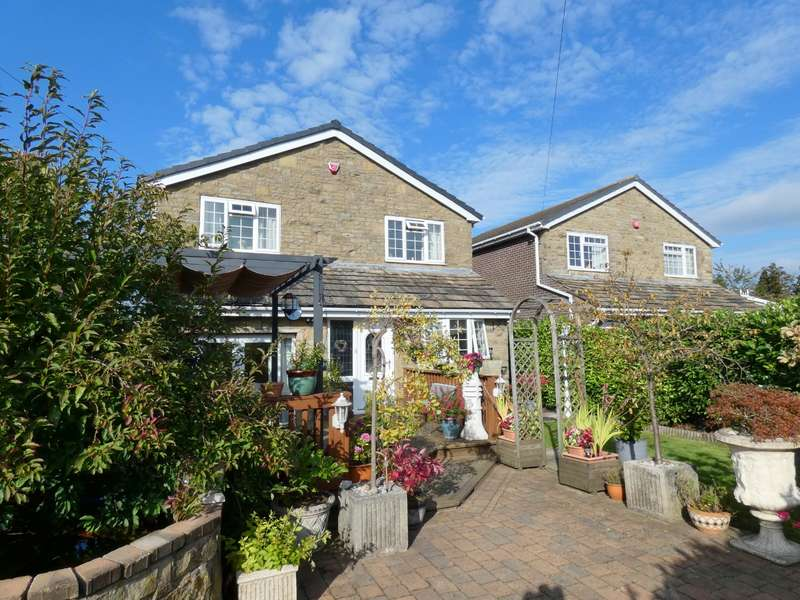 4 Bedrooms Detached House for sale in Tabbs Court, Scholes, BD19