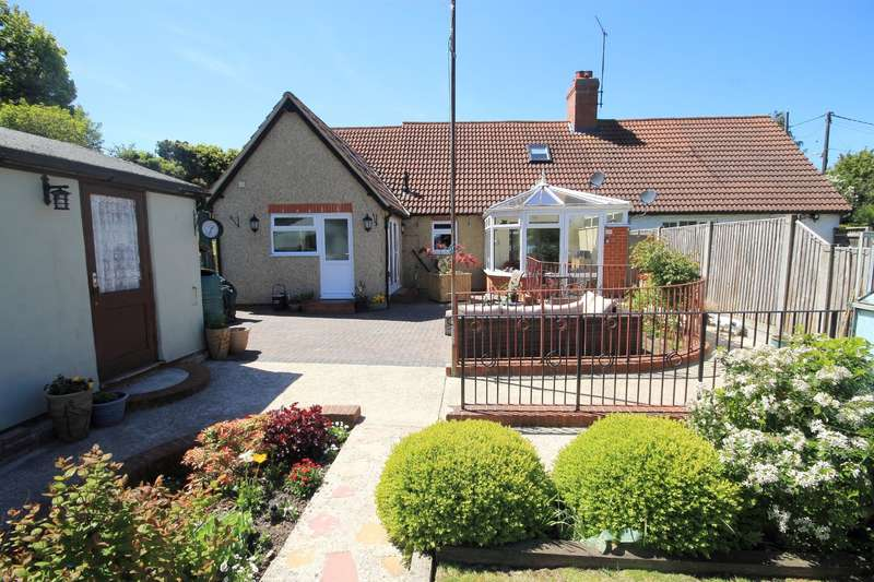 4 Bedrooms Semi Detached House for sale in Ashford Road