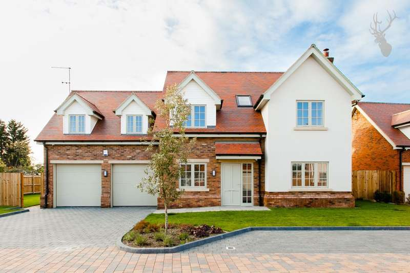 5 Bedrooms Detached House for sale in Avey Lane, Waltham Abbey