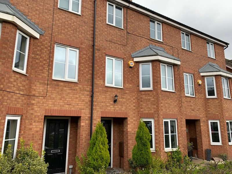 5 Bedrooms House for rent in Shropshire Drive, Coventry