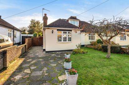3 Bedrooms Semi Detached House for sale in Highlands Road, Orpington