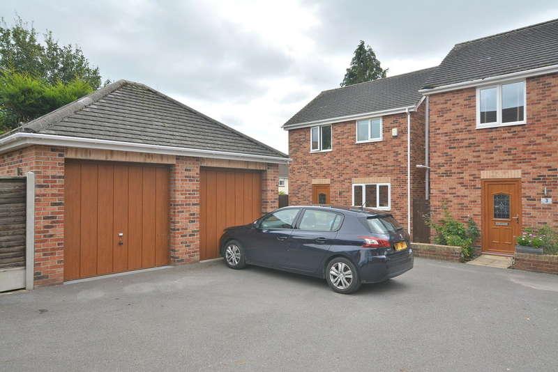 3 Bedrooms Detached House for rent in Dudsbury Court, Longham