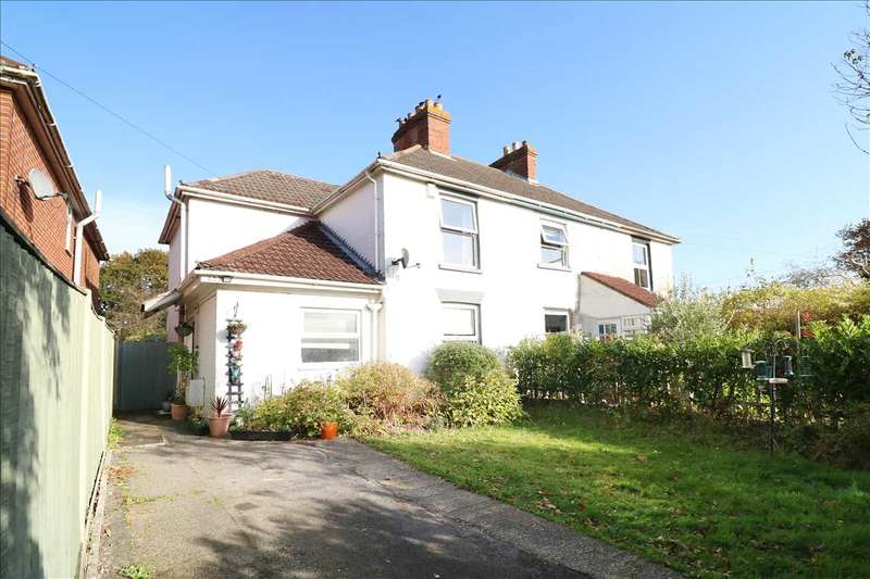 3 Bedrooms Semi Detached House for sale in Warsash Road, Tithcfield Common
