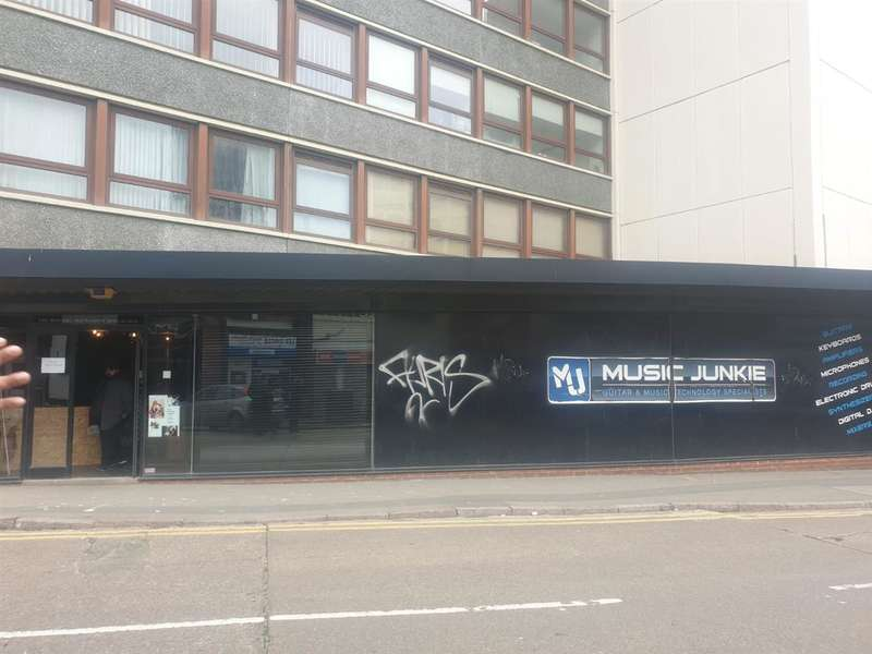 Commercial Property for rent in Lee Circle, Leicester