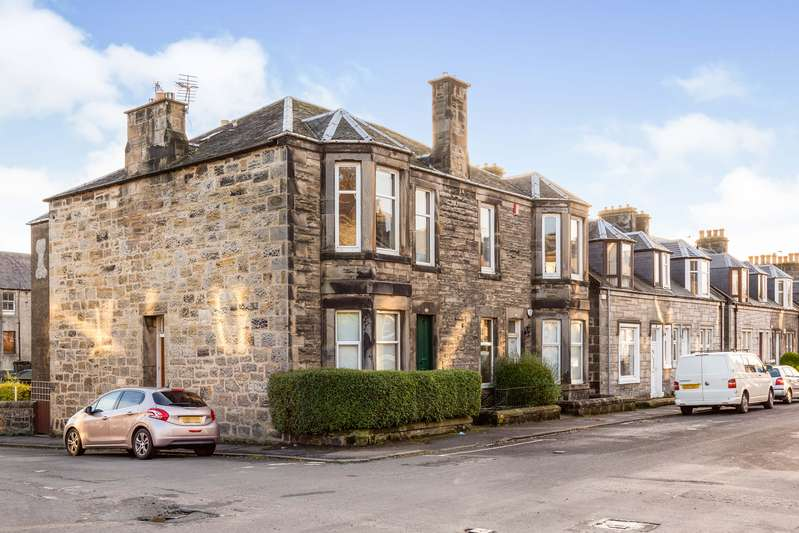 2 Bedrooms Flat for sale in Millhill Street, Dunfermline, KY11
