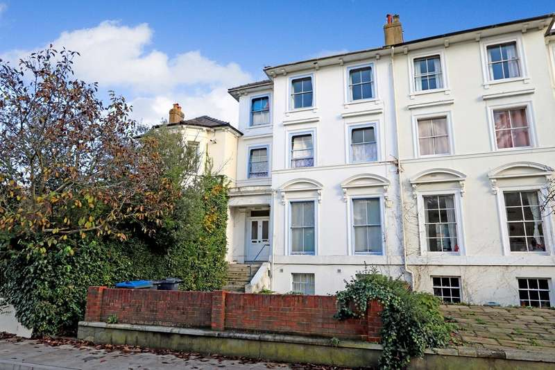 5 Bedrooms Semi Detached House for sale in Claremont Road, Surbiton