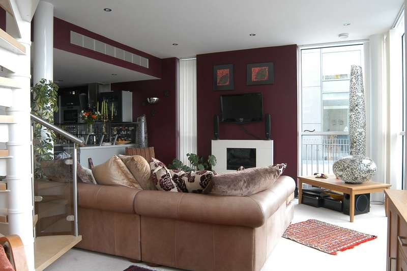 2 Bedrooms Flat for sale in Western Gateway, Royal Docks, E16